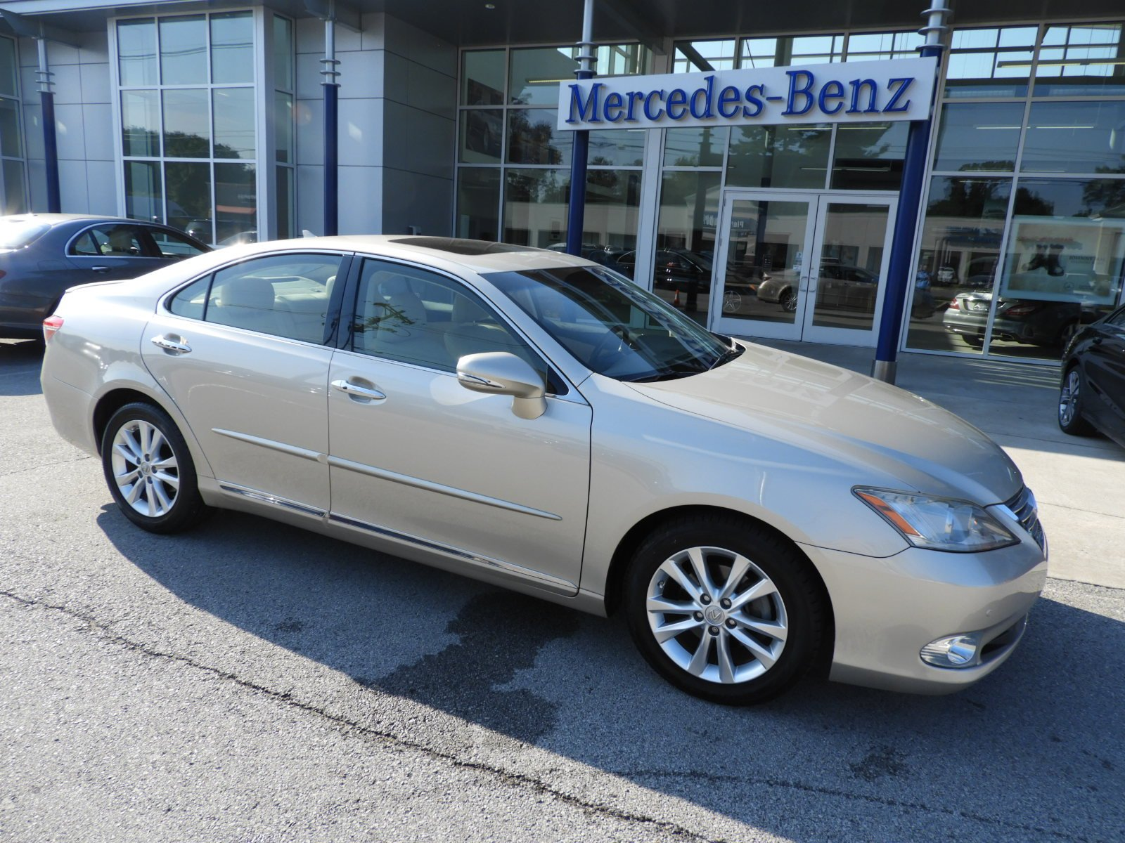 Pre Owned 2011 Lexus ES 350 Sedan