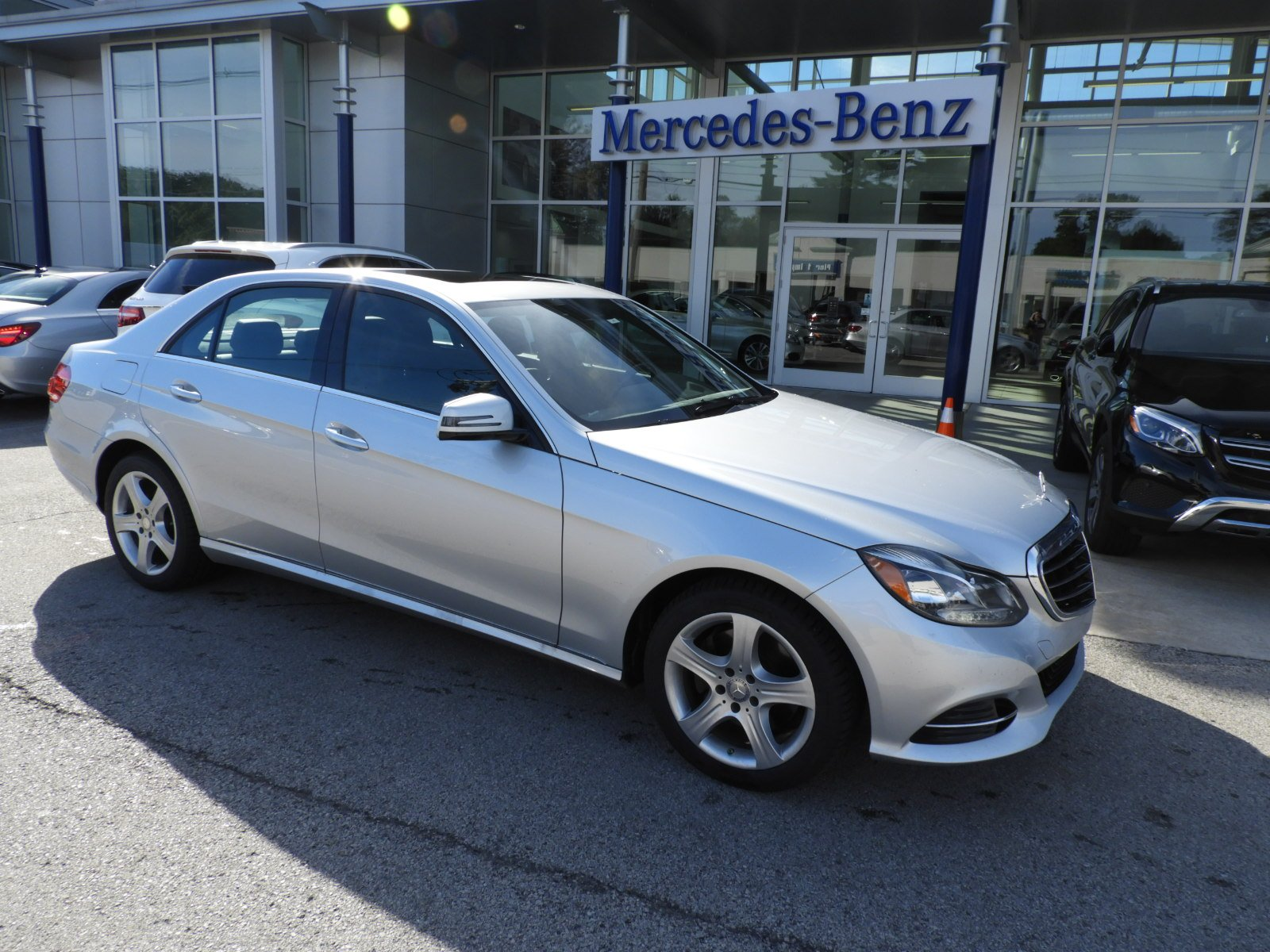 Certified Pre Owned 2014 Mercedes Benz E Class E 350 4MATIC Luxury