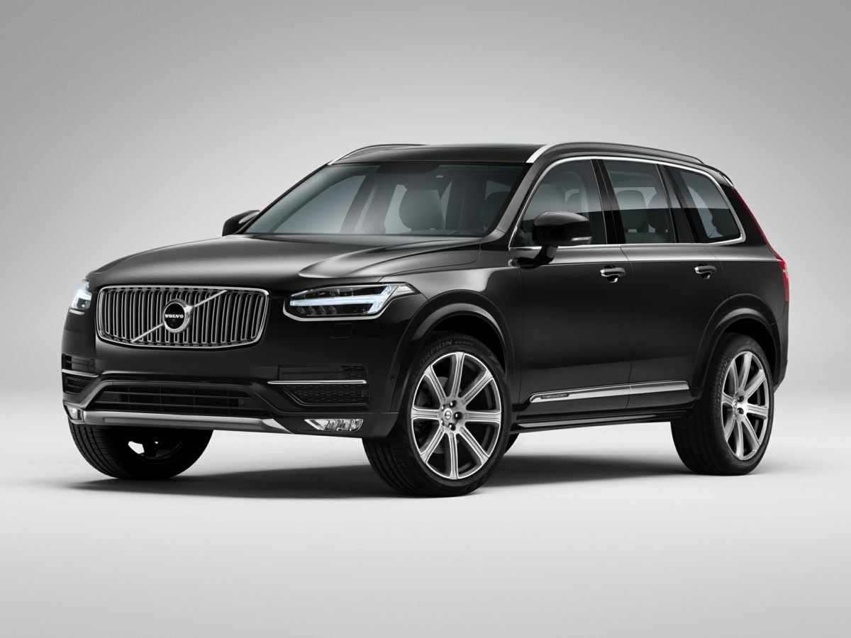 Pre Owned 2016 Volvo XC90 T6 Momentum 4D Sport Utility in Louisville